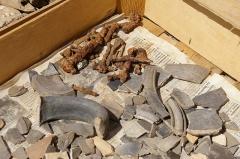 Vestiges archéologiques gallo-romains du lieudit Bois-l'Abbé - Français:   Objets issus des fouilles du Bois l\'Abbée EU