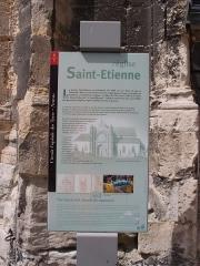 Eglise Saint-Etienne - Deutsch: Fécamp: Kirche Saint-Etienne - Historie (franz.: Église Saint-Étienne de Fécamp) Datum: 15.05.2012 Urheber: M. Pfeiffer alias Benutzer:Gordito1869 Quelle: privates Fotoarchiv des Urhebers
