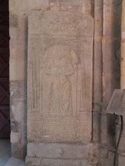 Eglise Saint-Martin - Pierre tombale de Catherine de la Roue (XVIe siècle) dans l'église d'Harfleur.