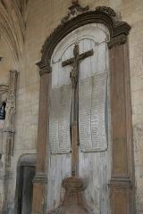 Ancienne abbaye - Français:   Abbaye de Montivilliers: monument aux morts.