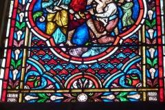 Eglise - Deutsch: Bleiglasfenster in der Kirche Notre-Dame in Neufchâtel-en-Bray im Département Seine-Maritime, Frankreich; Ausschnitt mit der Signatur: DIDRON PARIS ANNO 1866
