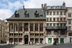 Ancien Bureau des Finances - English: Rouen, France:  Ancien Bureau des Finances (left side) and Grande Pharmacie Du Centre at Place de la Cathédrale