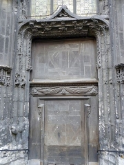 Ancienne église Saint-Eloi - English: Side door in the protestant church Saint-Éloi in Rouen.