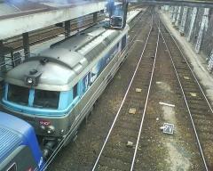 Gare rive droite - Une BB 67000 en gare de Rouen Rive-Droite assurant le service d'un train régional