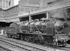 Gare rive droite - English: SNCF État 4-6-2 at Rouen (Rive Droite), 1956.