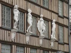 Hôtel d'Etancourt -  Fragment_of_house__XVI_c.. Rouen