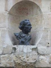 Ancien hôtel de ville - English: Jacques Guillaume Thouret; Bust (Artist unknown), Rouen