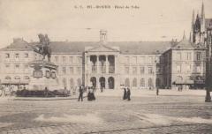 Hôtel de ville - English: circa 1900 - état de l'édifice sur lequel Charles-Félix Maillet du Boullay est intervenu.