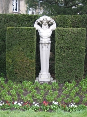 Jardin des Plantes -  Statue de Pan au Jardin des plantes de Rouen.  Photo personnelle prise par F. Etiemble