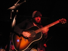 Maison - English: Badly Drawn Boy playing a show in the Urban Lounge, Salt Lake City, Utah. (March 2007).