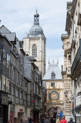 Tour du Beffroi - English: The Gros Horloge an the Tour du Beffroi, seen from the east.