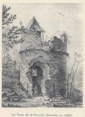 Restes de la tour dite de la Pucelle, ou Tour devers les Champs - Français:   Tour de la Pucelle avant sa démolition en 1809.