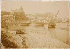 Eglise Saint-Jacques - English: Le Tréport Photoalbum Souvenir de Voyage 1901. Page 59. Photo 1. 12,1x20,4cm.