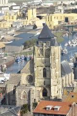 Eglise Saint-Jacques - Français:   L\'Église Saint Jacques du Tréport vue depuis la falaise