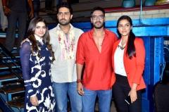Ferme du Couvent - English: 'Bol Bachchan' team on the sets of Taarak Mehta Ka Ooltah Chashmah Prachi Desai, Abhishek Bachchan, Ajay Devgn, Asin