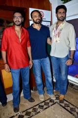 Ferme du Couvent - English: 'Bol Bachchan' team on the sets of Taarak Mehta Ka Ooltah Chashmah Ajay Devgn, Rohit Shetty, Abhishek Bachchan
