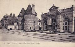 Théatre - Dansk:   Tårne og théâtre municipal før krigen.