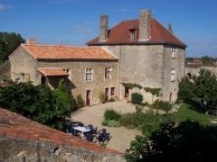 Château d'Airvault -  Maisons du château d'Airvault