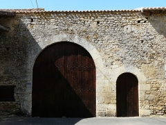 Logis de Barroux - Français:   Le portail d\'entrée du logis de Barroux, Airvault, Deux-Sèvres, France.