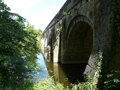 Pont du Vernay - Français:   Le pont de Vernay (côté aval) sur le Thouet, Airvault, Deux-Sèvres, France