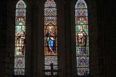 Eglise paroissiale Saint-Grégoire - Deutsch:   Katholische Kirche Saint-Grégoire in Augé im Département Deux-Sèvres (Nouvelle-Aquitaine/Frankreich), Bleiglasfenster