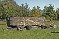 Groupe de six tumuli - Deutsch: Megalith-Transport horitontal, auf Rollen