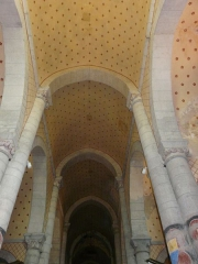 Eglise Saint-Hilaire - Français:   Le plafond peint de la nef de l\'église Saint-Hilaire de Gourgé, Deux-Sèvres, France