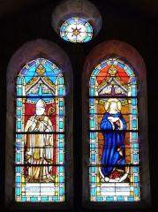 Eglise Saint-Hilaire - Français:   Vitrail représentant le Pape Pie IX et la Sainte Vierge, église Saint-Hilaire de Gourgé, Deux-Sèvres, France
