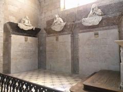 Eglise Notre-Dame - Église Notre-Dame de Niort. Tombeaux de François de Beaudéan-Parabère (1629-1648), de Charles de Beaudéan-Parabère (+1634) et de Françoise Tiraqueau (1591-1673). Relevé des inscriptions: http://cluaran.free.fr/mb/bib/niort.html