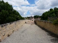 Pont sur le Thouet - Français:   Le pont roman de Saint-Généroux, Deux-Sèvres, France