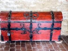 Château (ensemble du) - Coffre de voyage. Salle d'honneur du château de Belvoir. Doubs