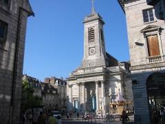 Eglise Saint-Pierre -  Église St Pierre de Besançon, construite selon les plans de Bertrand au XVIIIe  Place du 8 Septembre