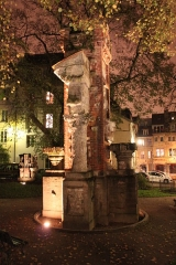 Jardin public - Français:   porte Noire et ruines romaines, Besançon, Franche-Comté, France
