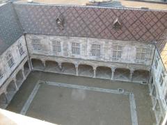 Palais Granvelle, actuellement musée -  Cours intérieure Palais Granvelle - Besançon - Franche Comté - France