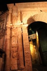 Porte Noire - Français:   porte Noire et ruines romaines, Besançon, Franche-Comté, France