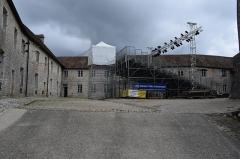 Château de Joux - Français:   Vue du fort de Joux, dans la commune de La Cluse et Mijoux (département du Doubs, en France).