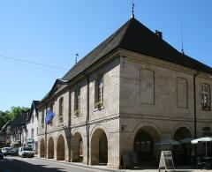 Bailliage - Français:   Ornans (Doubs - France), l'ancien bailliage construit en 1740 par l\'entrepreneur Besson sur les plans de l\'architecte Querret et abrite l\'actuel hôtel de ville depuis 1825).