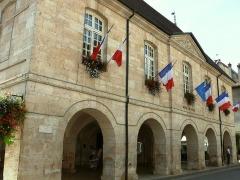 Bailliage - Français:   Ornans - Hôtel de ville