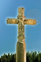 Croix de la Combille - Français:   Détail de la croix de la Combille. Face Ouest.