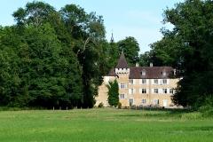 Château - Français:   Vue sur la façade ouest du château depuis les Prés d\'Avaux.