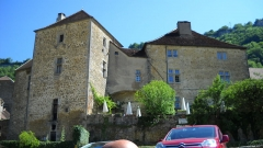 Ancienne abbaye - This building is en partie classé, en partie inscrit au titre des Monuments Historiques. It is indexed in the Base Mérimée, a database of architectural heritage maintained by the French Ministry of Culture,under the reference PA00101814 .