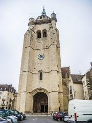 Eglise Notre-Dame - Clocher et porche de la collégiale de Dole.Jura
