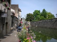 Tannerie, maison natale de Pasteur - Español: El Canal Rhône-Rhin atraviesa el barrio de los Curtidores de Dole (Francia). A este canal da la casa en la que vivió Jean-Joseph Pasteur, curtidor de oficio y padre del famoso investigador Louis Pasteur.