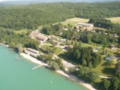 Villages palafittes du lac Chalain (également sur communes de Marigny et Doucier) -  Lac de Chalain Plage MFR de Doucier