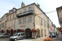 Maison - Français:   Maison, 27 rue du Commerce, Lons-le-Saunier.