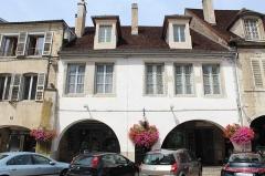 Maison - Français:   Maison, 32 rue du Commerce, Lons-le-Saunier.
