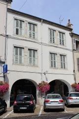 Maison - Français:   Maison, 36 rue du Commerce, Lons-le-Saunier.