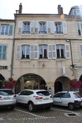 Maison - Français:   Maison, 37 rue du Commerce, Lons-le-Saunier.