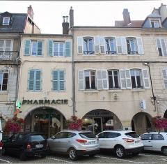 Maison - Français:   Maisons, 35-37 rue du Commerce, Lons-le-Saunier.