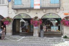 Maison - Français:   Maison, 45 rue du Commerce, Lons-le-Saunier.